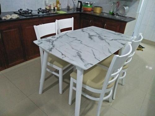 Bộ bàn ăn mặt đá BA1017 - Bộ Bàn Ăn