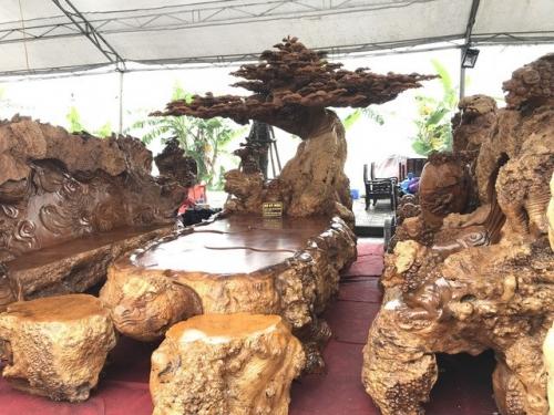 Bộ bàn ghế phòng khách khủng siêu đẹp cho dân sành đồ gỗ