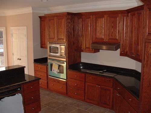 Tủ bếp gỗ tự nhiên căm xe TB1008 giá rẻ